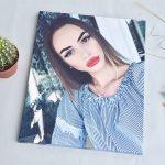 Фото на холсте девушка с губами