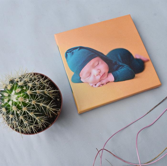 фото на холсте новорожденного