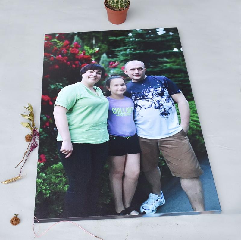 Семейное фото на холсте с мобильного