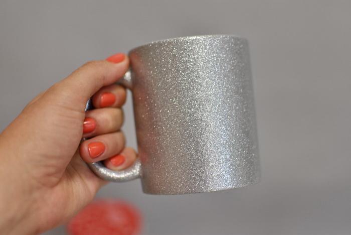 чашка на заказ глиттер серебро