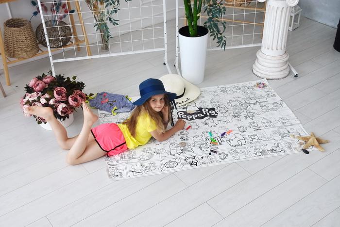 Гигантская раскраска Свинка Пеппа для девочек грн