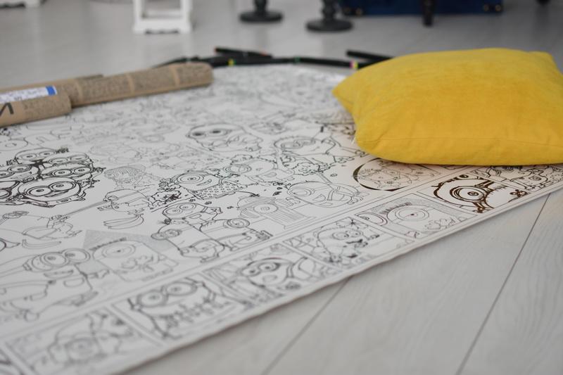 Большая раскраска Миньоны для детей