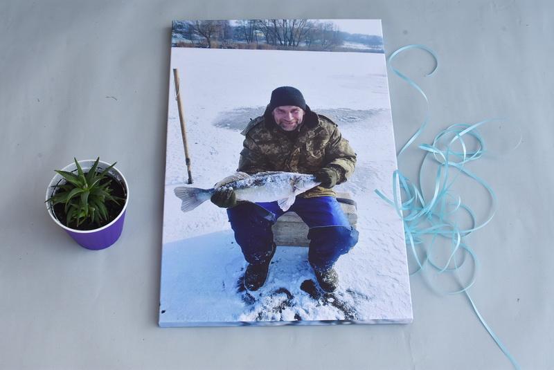 фото на холсте рыбак