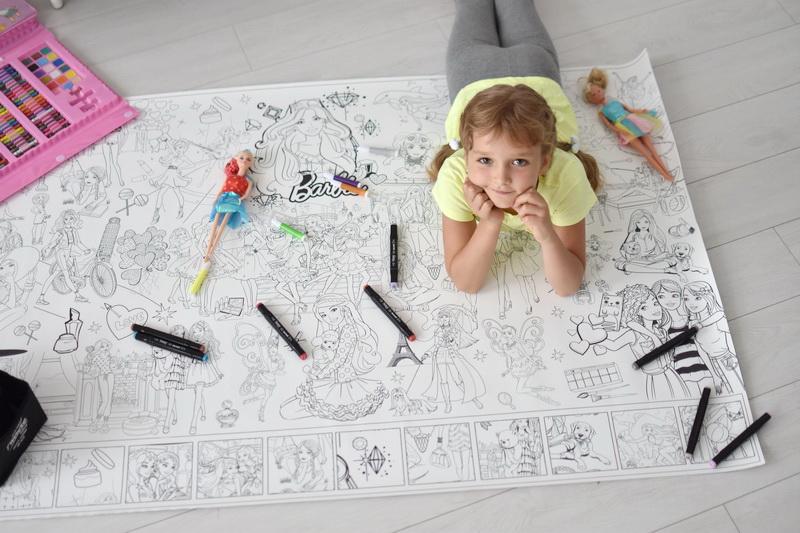 Велика гігантська розмальовка Барбі Миколаїв