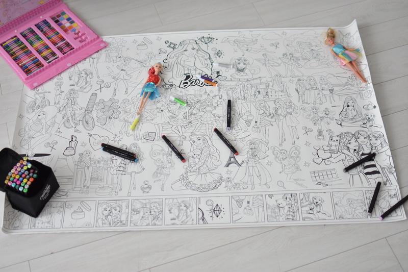 Велика гігантська розмальовка Барбі Суми