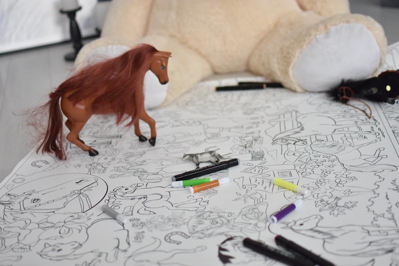 Велика гігантська розмальовка коні лошадки