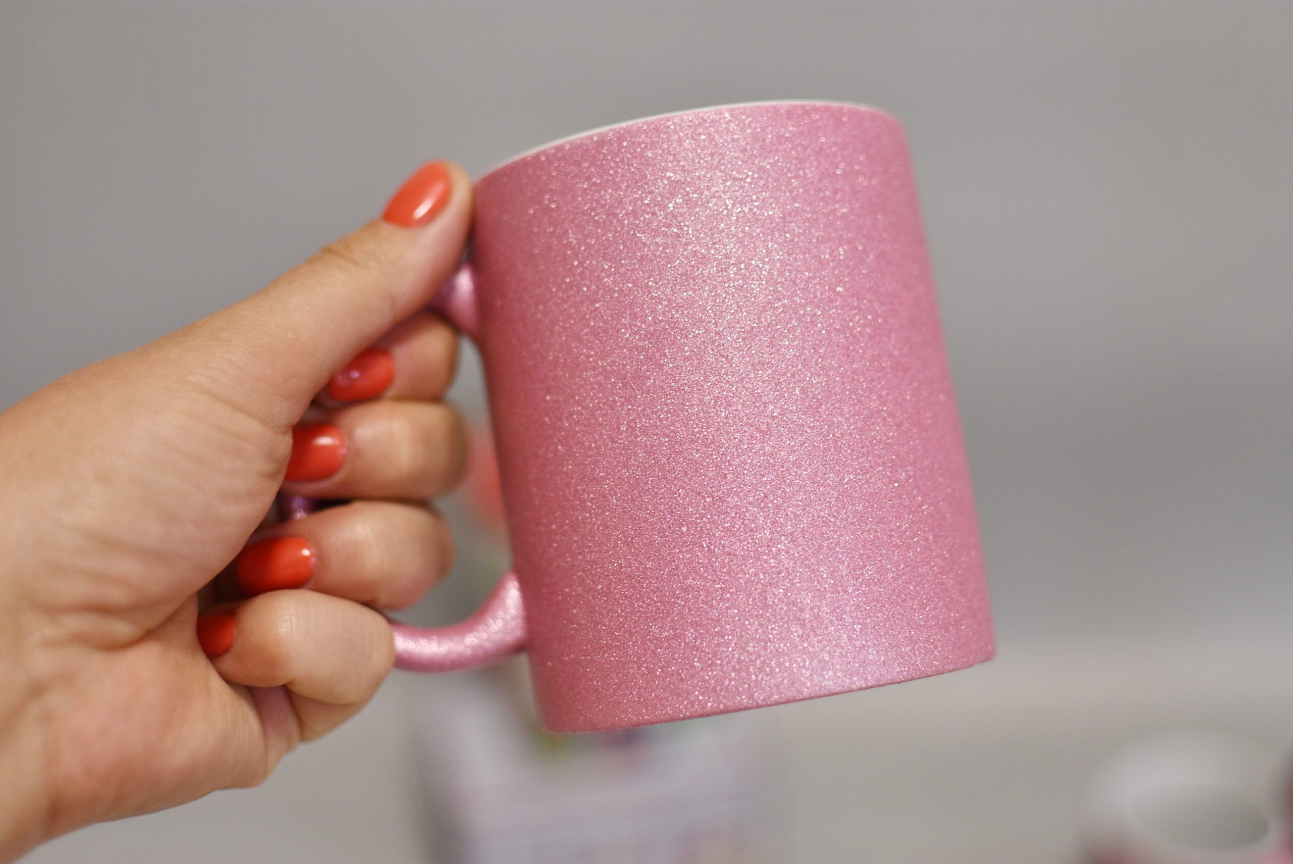 чашка глітер рожева